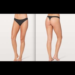 Lululemon Namastay Put Thong II Night White Black